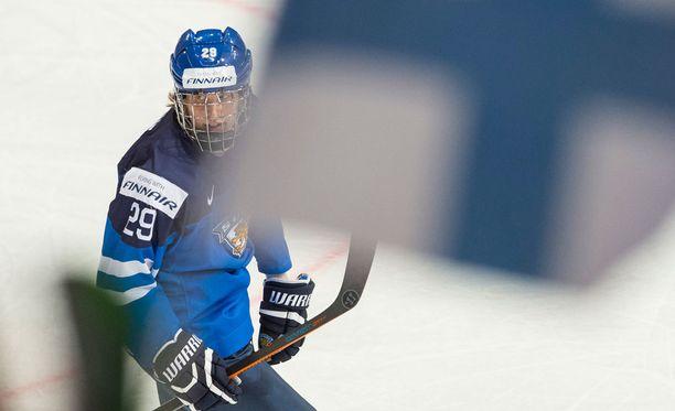 Patrik Laine pommitti itsensä suomalaissydämiin nuorten MM-kisoissa.