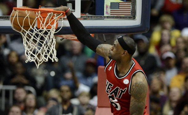 LeBron James on kova donkkaamaan.
