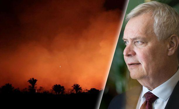 Rinne kertoi perjantaina soittaneensa EU-komission suomalaiselle varapuheenjohtajalle Jyrki Kataiselle (kok) ja odottavansa, mitä toimia komissiolta on tulossa.
