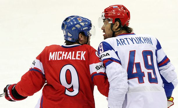 Jevgeni Artjuhin teloi Milan Michalekin sunnuntain ottelussa.