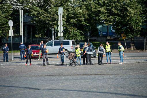 Poliisi järjesti puukotusten rekonstruktion sunnuntaina Turussa.