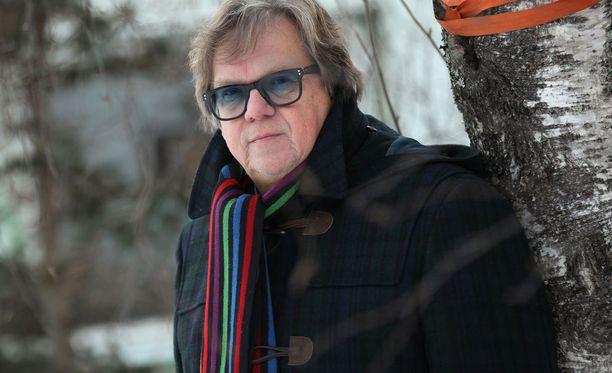 Mikko Alatalo seuraa tiiviisti urheilua. Aiemmin hän toimi muun muassa laskettelunopettajana.