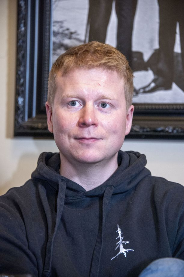 Sampo Kaulanen painoi syksyllä yli 90 kiloa. Nyt vaaka näyttää 79 kiloa. Miehen kesäsuunnitelmiin kuuluu Metallican keikka Hämeenlinnassa ensi viikolla.