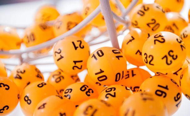 Suomeen on saatu tänä vuonna jo 42 lottomiljonääriä.
