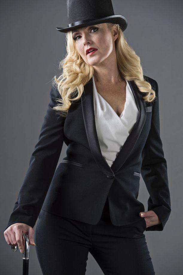Näyttelijä Mari Perankoski on tänä vuonna nähty muun muassa Keisari Aarnio -sarjassa ja Iloisia aikoja, Mielensäpahoittaja -elokuvassa.