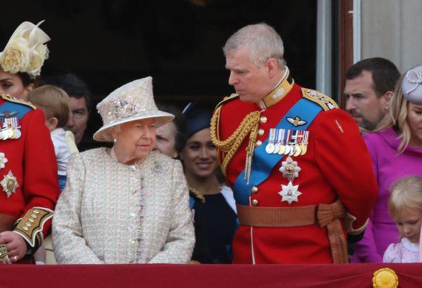 Kuningatar Elisabet ja prinssi Andrew ovat läheisiä.