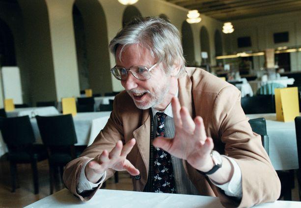 Kuvassa Erkki Tuomioja vuonna 1999.