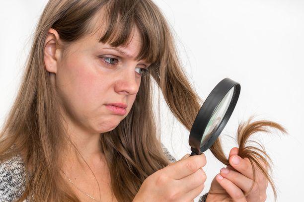 Kun ikää karttuu, sillä on vaikutusta myös hiusten kuntoon.