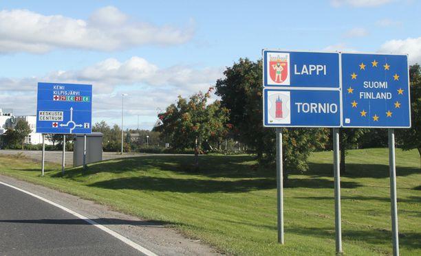 Maahan tulevat pakolaiset eivät enää voi jatkaa Torniosta muualle Suomeen ennen kuin ovat rekisteröityneet turvapaikanhakijoiksi.