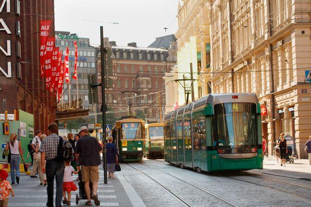 Maailmantalouden vaikeudet näkyvät tavallisten suomalaisten elämässä työpaikkojen yt-neuvotteluina ja työttömyyden lisääntymisenä.