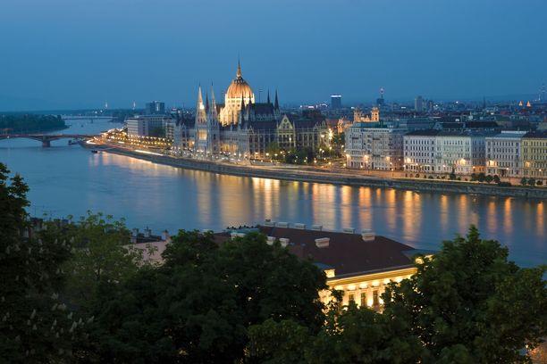 Tässä siintää Budapest, jonne ei turistireissuja aivan pian olla tekemässä.
