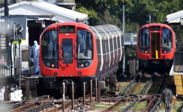 Lontoon metroon 15. syyskuuta tehdyssä iskussa loukkaantui ainakin 30 ihmistä.