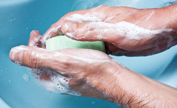 Huonon käsienpesun voi vielä pelastaa oikeanlaisella kuivaustyylillä.