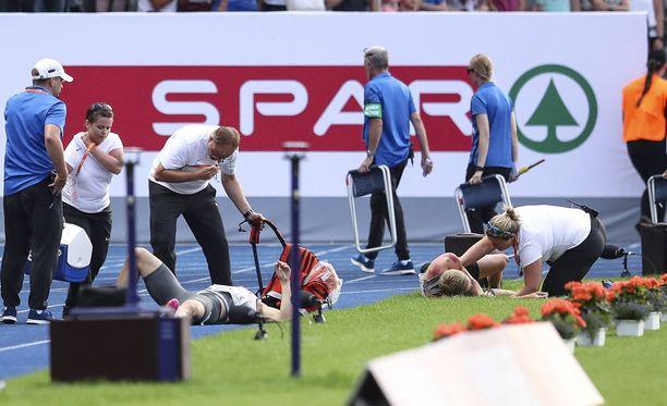 Juoksijat saivat nopeasti hoitoa.