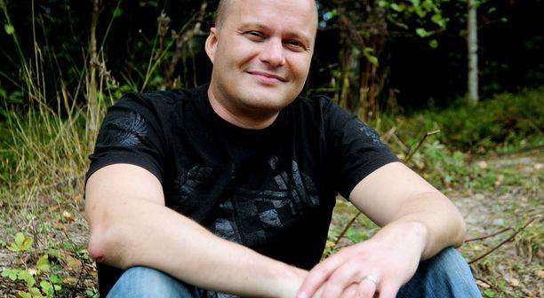 KATUVA ISÄ Timo Salonen kertoo lastensa ripittäneen häntä tempauksen takia.