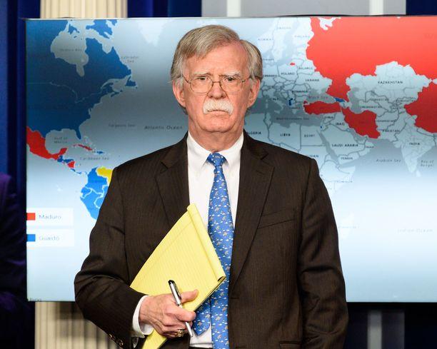 John Bolton oli kolmas kansallisen turvallisuuden neuvonantaja Trumpin aikana. Ensimmäinen eli Michael Flynn kompuroi omiin valheisiinsa jo ensi metreillä. H.R. McMasters lähti samasta syystä kuin Bolton - hän oli eri mieltä presidentin kanssa.