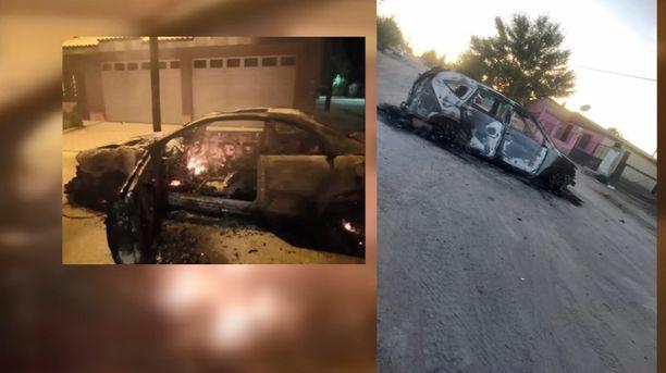 Perheen auto poltettiin. Kuvan autot eivät ole tästä hyökkäyksestä vaan muusta väkivallasta Meksikossa.