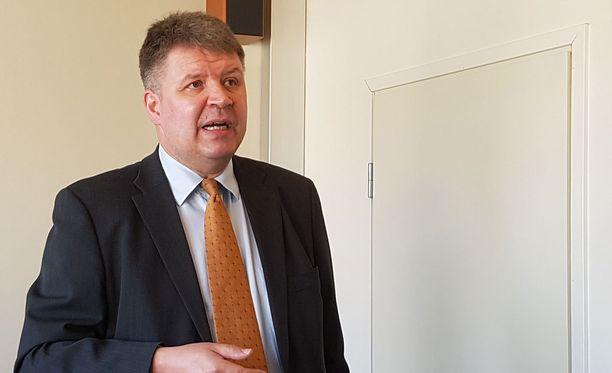 Vaalitutkija Sami Borg on toinen tilastoraportin tekijöistä.