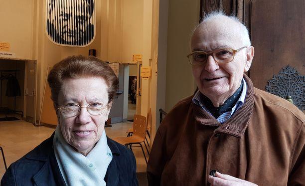 84-vuotias Jeanne ja hänen 89-vuotias miehensä Jacques Payronned.