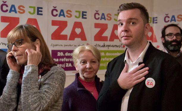 Seksuaalivähemmistöjen etuja ajava järjestö jännitti kansanäänestyksen tulosta sunnuntaina Ljubljanassa.