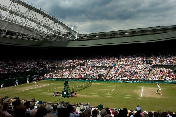 Keskuskenttä, Wimbledon
