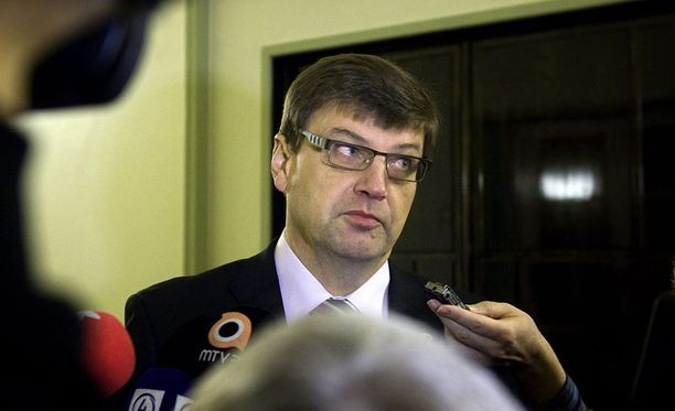 Valtaosa syyttäjistä ei näe, että valtakunnansyyttäjä Matti Nissisellä on edellytyksiä jatkaa tehtävässään virkarikostuomion jälkeen.