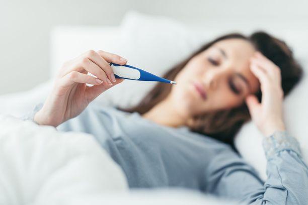 Kotona kannattaa olla kuumemittari, jotta oireiden kehittymistä voi korona-altistumista epäillessään seurata.