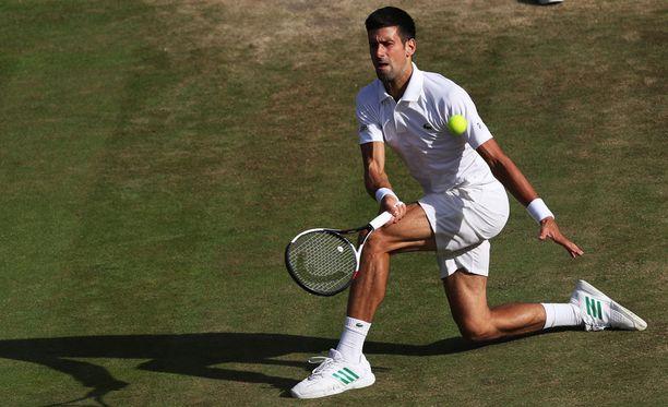 Novak Djokovic kärsii luumustelmasta.