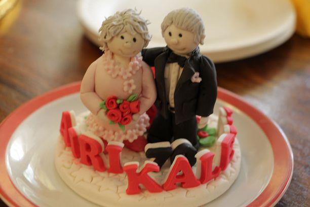 Airi ja Kalevi Hakala juhlivat 70-vuotishääpäiväänsä, rautahääpäivää Tyrvään Kartanon hoitokodissa Sastamalassa.