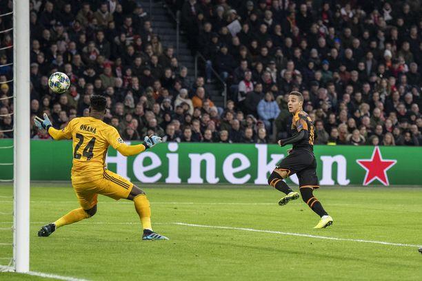 Valencian Rodrigo ampui joukkueensa Mestarien liigan neljännesvälieriin.