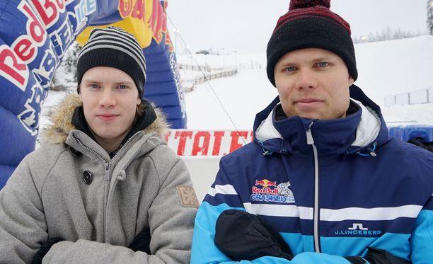 Joni (vasemmalla) ja Miikka Jouhkimainen ovat mukana Serenan Crashed Ice -väännöissä, yhtenä lukuisista veljespareista.