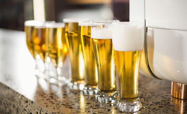 Tutkija Antti Maunu ei usko, että suomalainen juomakulttuuri voi täysin eurooppalaistua. - Se tarkoittaa, että koko elämäntavan, kulttuurin, historian pitäisi muuttua.