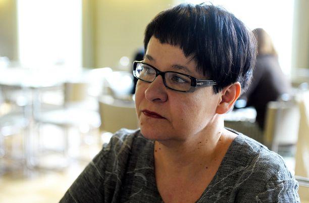 Eduskunnan varapuhemies Tarja Filatov ei ottanut yöllä käsittelyyn PS:n pöytäämisesitystä.
