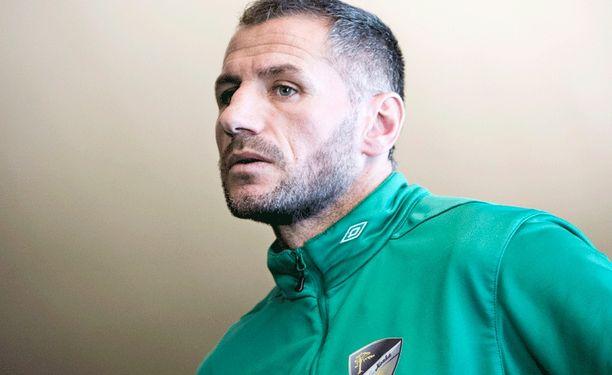 Shefki Kuqi valmentaa ensi kaudella Ykkösessä.
