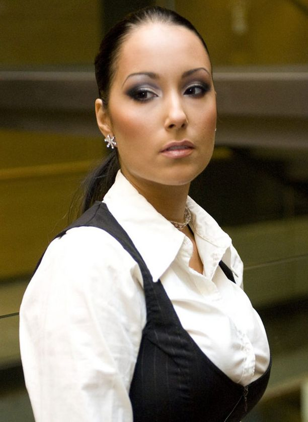 Anne-Mari Berg haki lähestymiskieltoa Martina Aitolehdelle vuonna 2008.