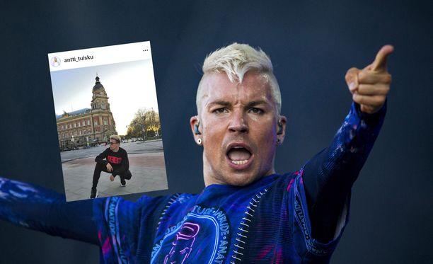 Antti Tuisku on toistaiseksi keikkatauolla, mutta myöntää ikävöivänsä lavoille.