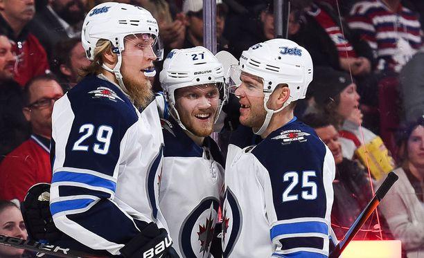 Patrik Laine (29), Nikolaj Ehlers ja Paul Stastny (25)muodostivat Jetsin pelätyn kakkosketjun. Ensi kaudella trioa tuskin nähdään yhdessä.
