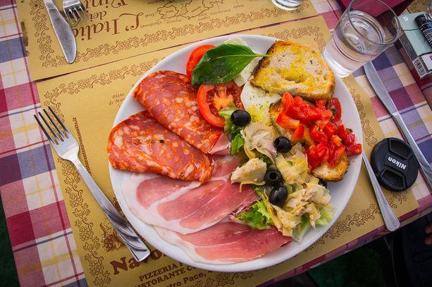 Roomassa on helppo syödä hyvin.