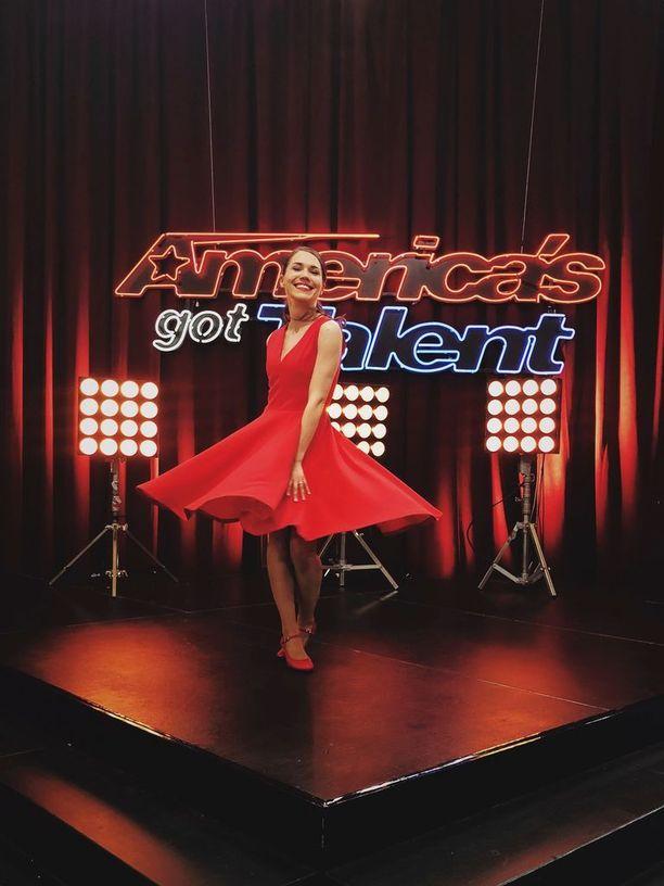 Sari Aalto America's Got Talent -ohjelmassa.