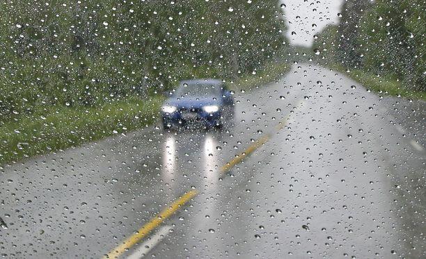 Perjantaina on tiedossa vetinen keli lähes koko Suomessa, kertoo Ilmatieteen laitos. Kuvituskuva