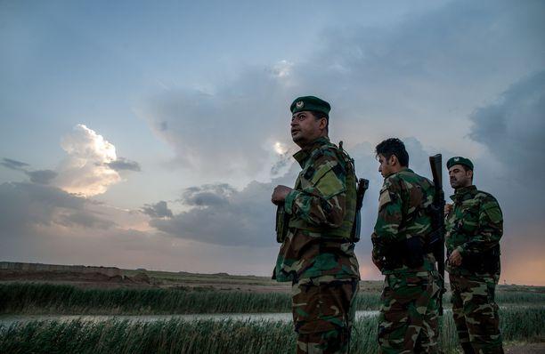 Kurdijoukot kertovat kukistaneensa Isisin. Kuvituskuva.