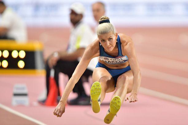 Kristiina Mäkelä ei onnistunut toivomallaan tavalla kolmiloikan MM-finaalissa. Hän oli Rion olympiakisojen tapaan loppukilpailun kahdestoista.