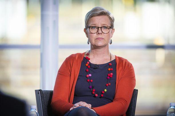 Krista Mikkonen johtaa vihreiden päivänpoliittista työtä eduskunnassa Touko Aallon sairausloman aikana.