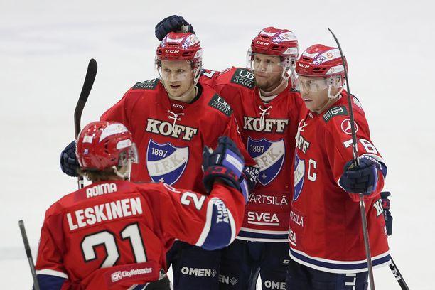 HIFK julkaisi runsaasti sopimuksia.