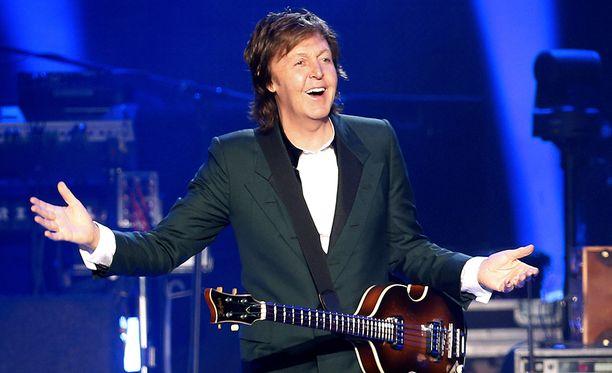 Sir Paul McCartney on Britannian rikkain muusikko, tuloja kertyy sekä vanhoista Beatles-lauluista että uusista levyistä.