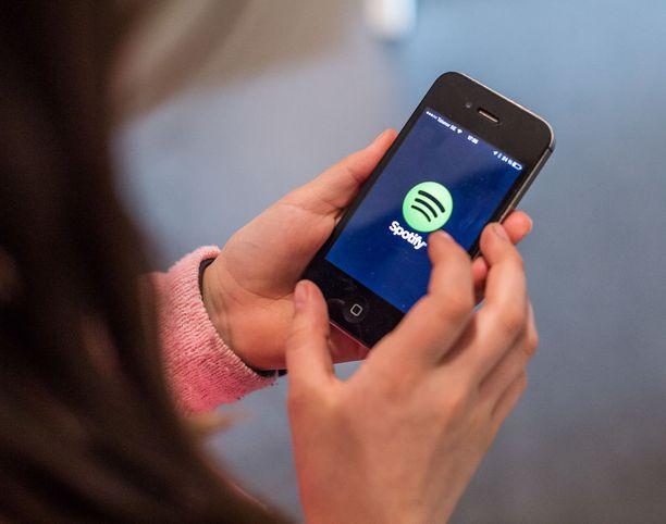 Jatkossa osa Spotifyn musiikista on aluksi tarjolla vain maksaville käyttäjille.