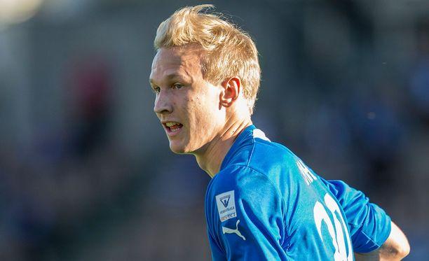 Simo Roiha onnistui maalinteossa Mariehamnia vastaan.