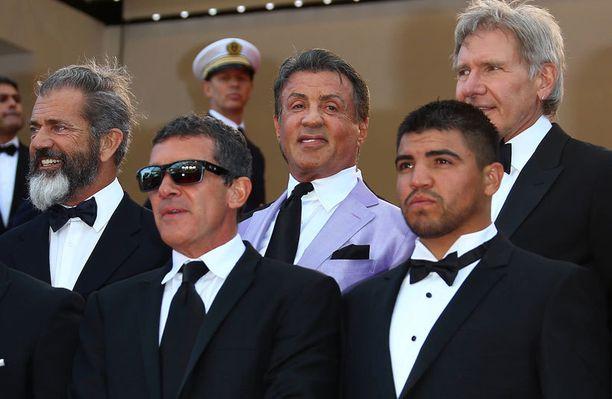 Gibson promoaa Cannesissa The Expendables 3 -toimintaelokuvaa.
