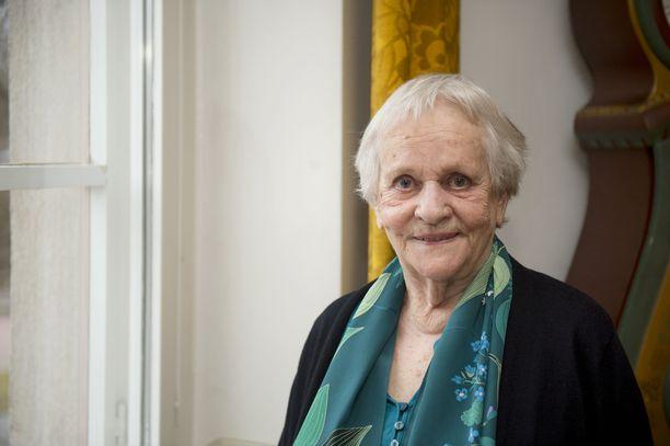 Eila Roine on tehnyt pitkän uran teatterissa ja televisiossa.