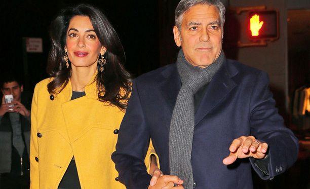 Clooneyt tekevät kartanostaan superturvallisen.